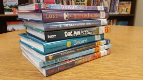 Graphic novels encourage reluctant readers and incorporate visual art by Brittney Uecker
